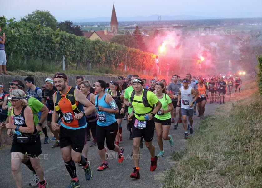 500-coureurs-ont-pris-le-depart-du-run-in-night-trail-a-la-lueur-des-lampes-torches-sur-les-hauteurs-de-wettolsheim-photo-l-alsace-vanessa-meyer-1530394857